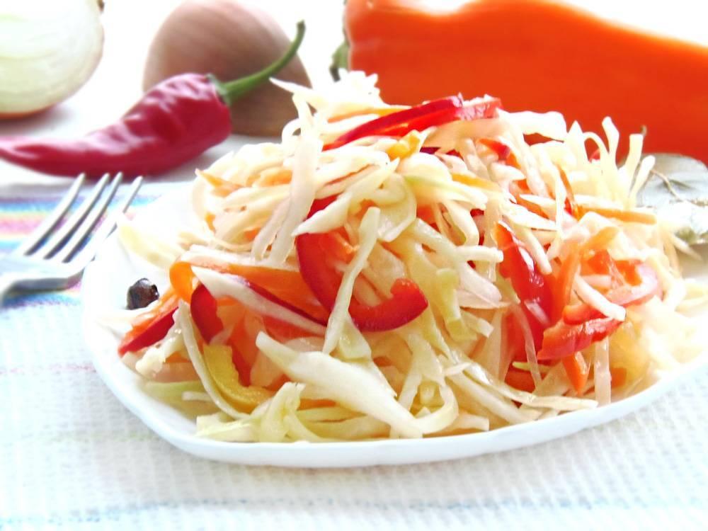 Как быстро сделать маринованную капусту с болгарским перцем?