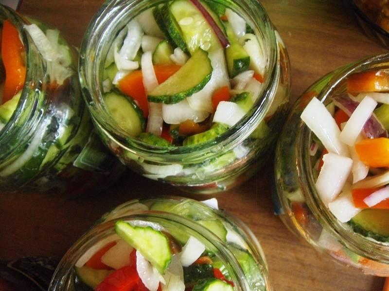 Помидоры с огурцами и кабачками на зиму, самый вкусный рецепт ассорти
