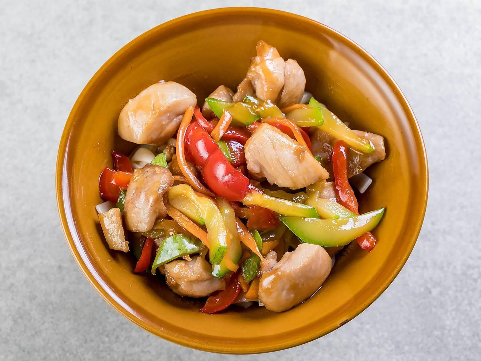Курица по китайски — рецепты с овощами, лапшой, рисом, ананасами и арахисом - женский журнал