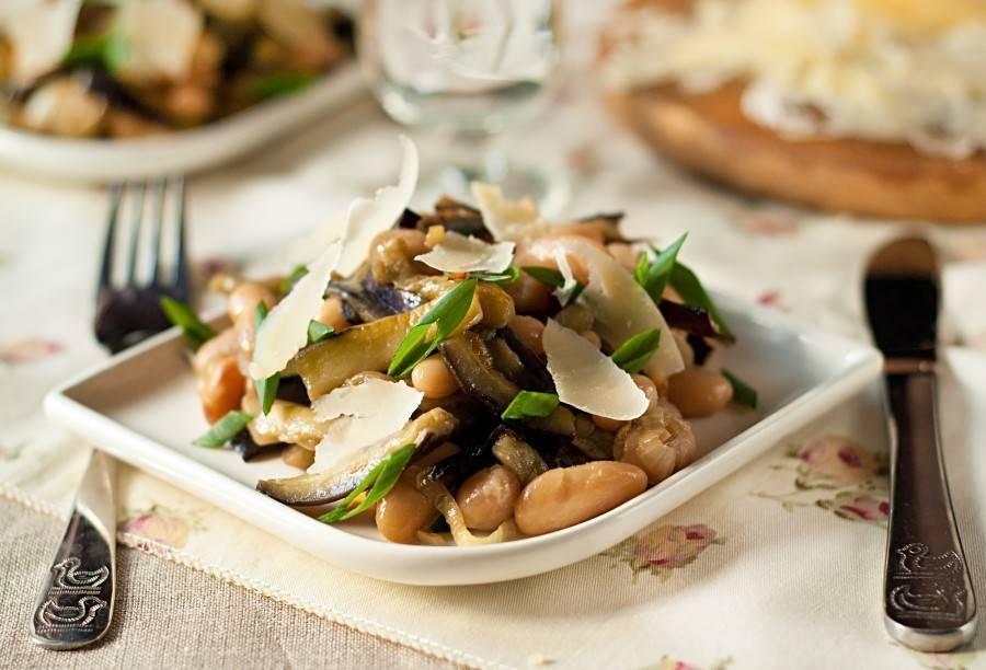 Салат с фасолью на зиму - 10 вкуснейших рецептов с пошаговыми фото