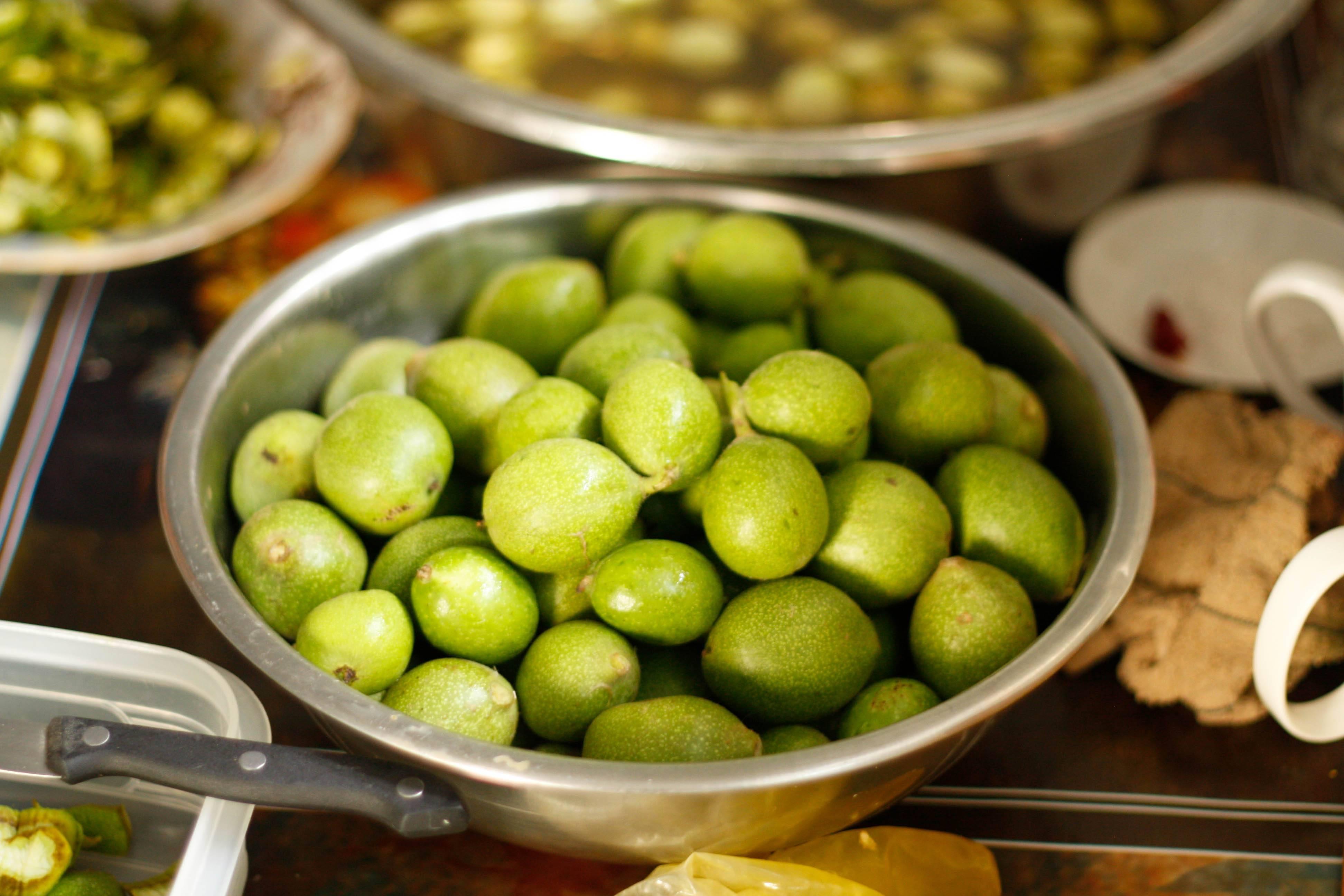 Варенье из грецких орехов зеленых: польза и вред, рецепт с фото