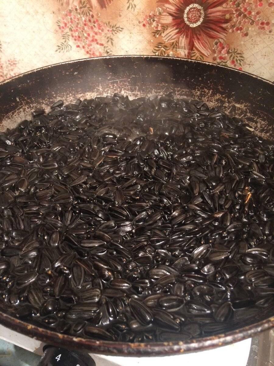 Чтобы было и вкусно, и полезно: как жарить тыквенные семечки