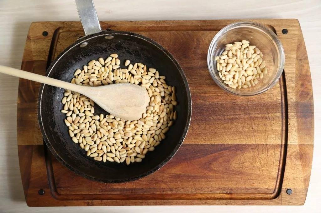 Орехи: моем, замачиваем, правильно жарим и едим