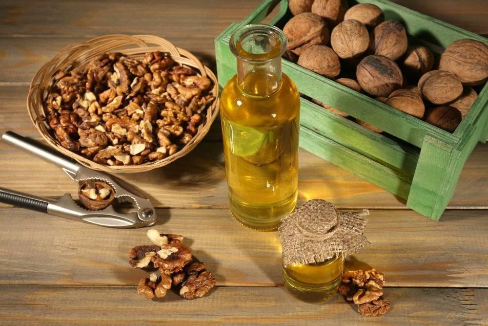 Сметана и грецкие орехи для мужчин: польза, рецепты