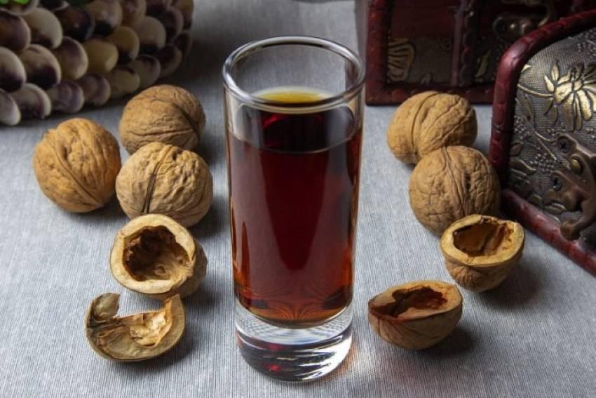 Настойка черного ореха — польза и применение