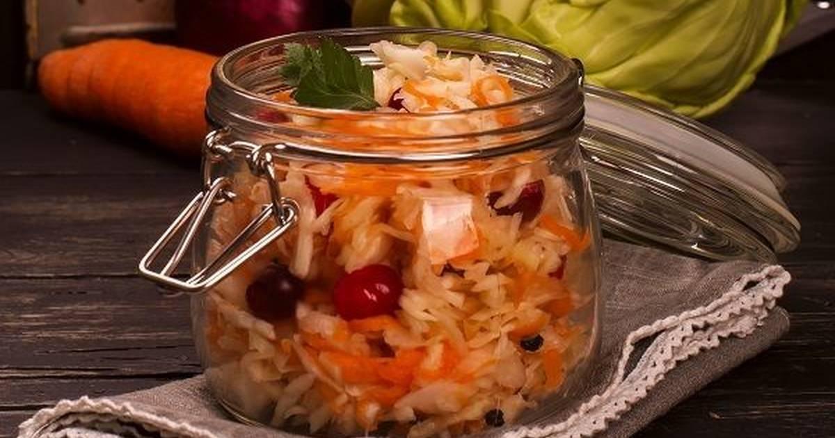 Квашеная капуста на зиму в банках - 10 рецептов хрустящей и сочной капусты с пошаговыми фото