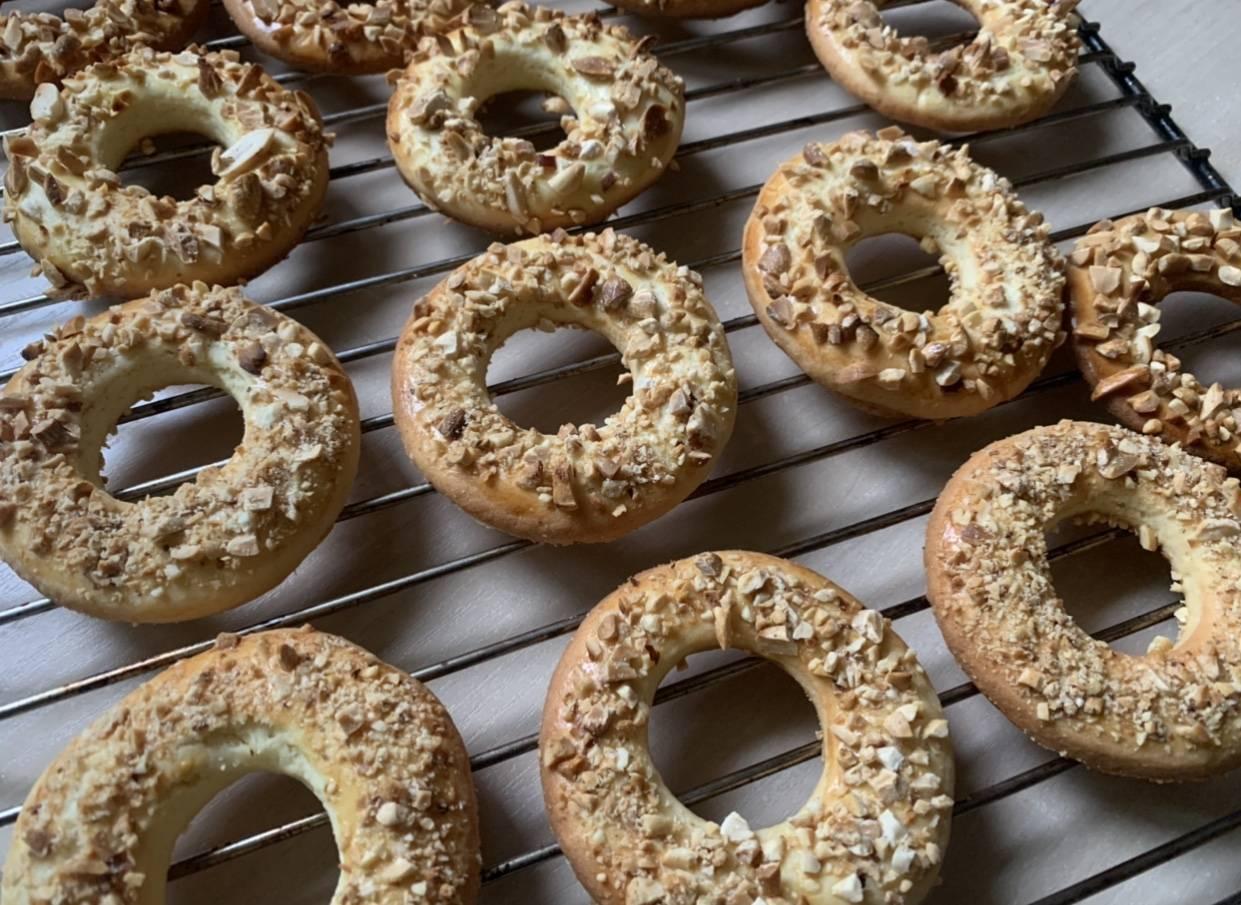 Песочное кольцо с орехами. рецепт выпечки к чаю