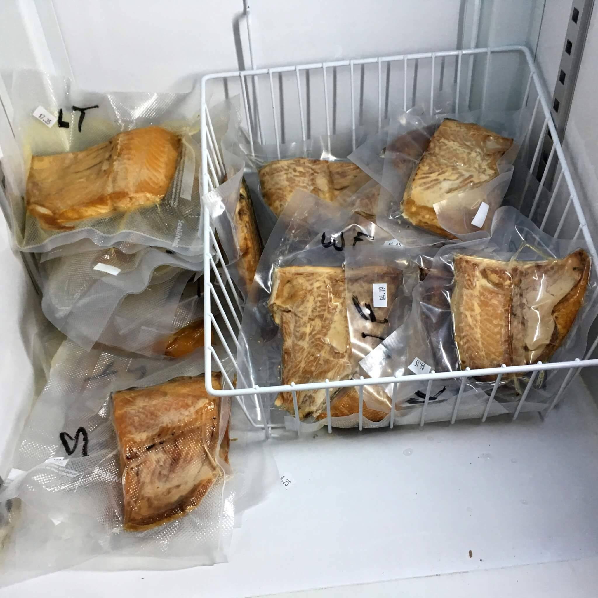 Как хранить кокос в свежем виде, срок годности стружки и молока, правила хранения кокосового масла