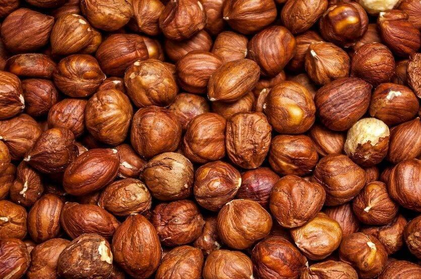 Фундук для мужчин, польза и вред лесных орехов, противопоказания