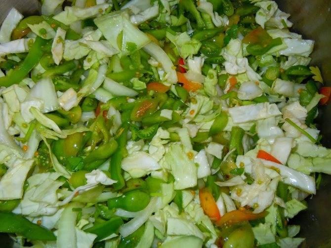 Салат из зеленых помидор на зиму - рецепты с фото пальчики оближешь