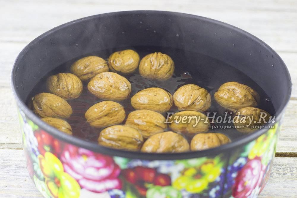 Как чистить грецкие орехи от скорлупы и перегородок в домашних условиях