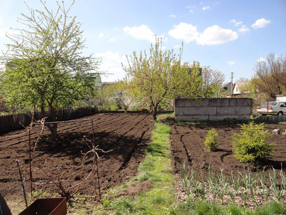 Земельный участок под огородничество. строительство жилья