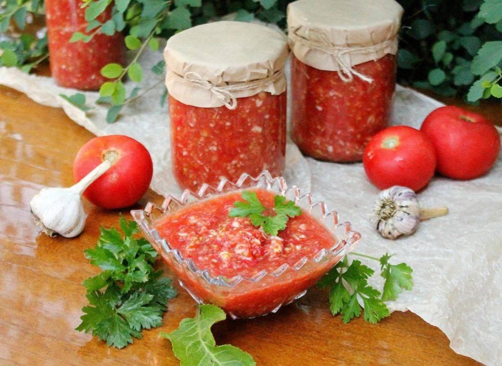 Хреновина из помидор и чеснока на зиму – 10 рецептов