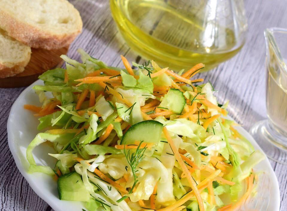 15 простых салатов из свежей капусты с огурцом