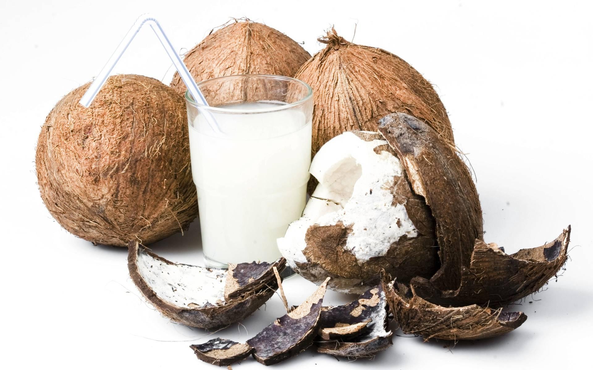 Как открыть кокос в домашних условиях правильно, быстро и легко, видео