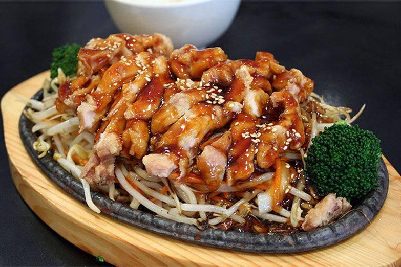 Рис с курицей в арахисовом соусе – кулинарный рецепт