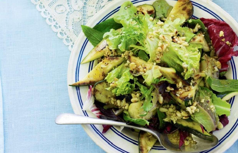 Салат с кедровыми орешками - легкий и вкусный   4 рецепта