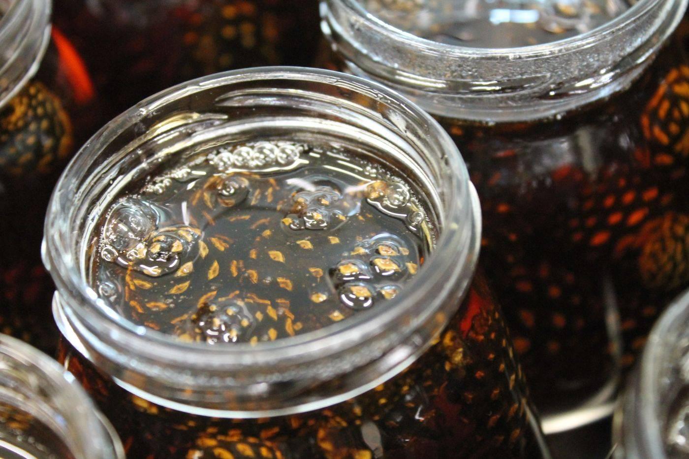 Варенье изсосновых шишек: лечебные свойства, противопоказания, рецепты иотзывы