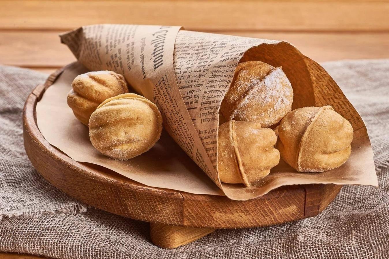 Орешки со сгущенкой — классические рецепты в орешнице