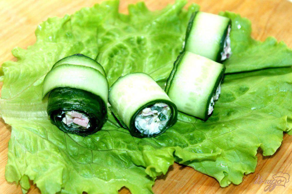 Творожный сыр с огурцом – рецепт рулетиков со свежей зеленью