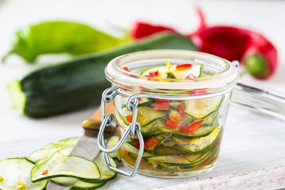 Хрустящие маринованные кабачки на зиму: самые вкусные рецепты
