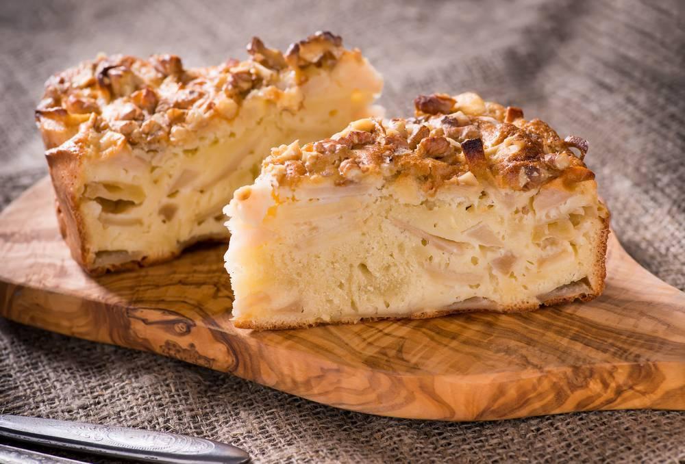 Яблочный пирог с грецкими орехами