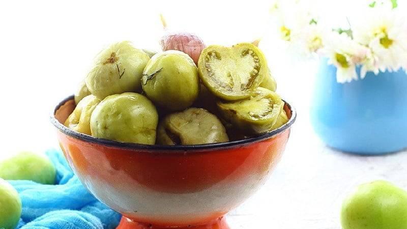 Соленые зеленые помидоры — 8 рецептов на зиму в банках