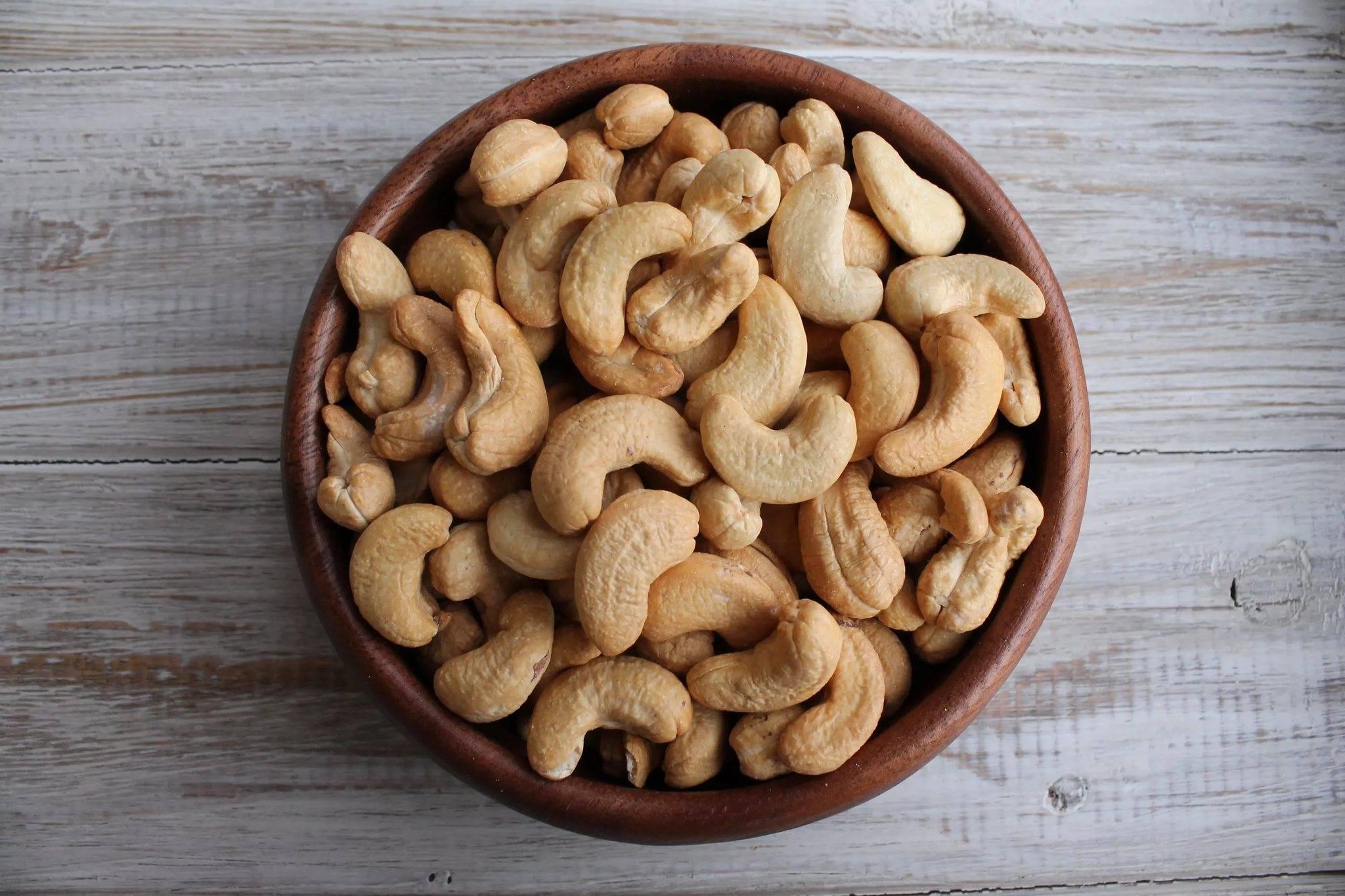 Жареный арахис: польза и вред для организма человека