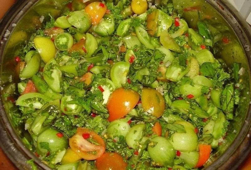 Салат из зеленых помидор — 11 домашних вкусных рецептов приготовления