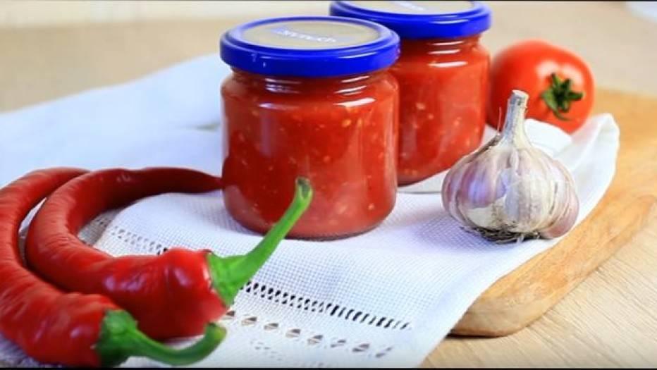 Закуска из помидоров с чесноком и болгарским перцем
