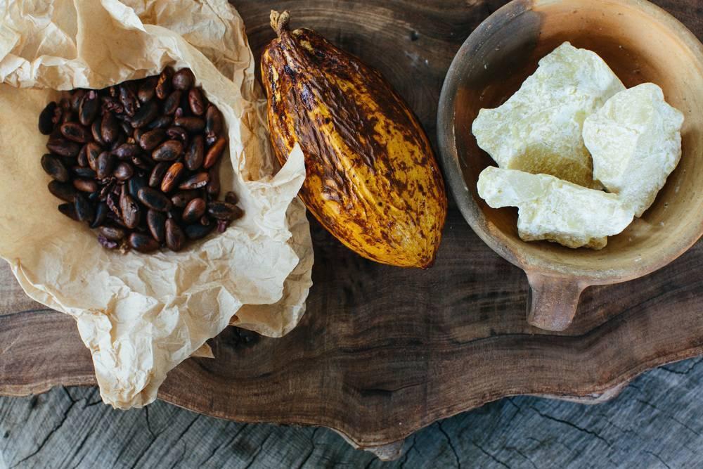 Лечебные свойства масла какао и рецепты от боли в горле и кашля
