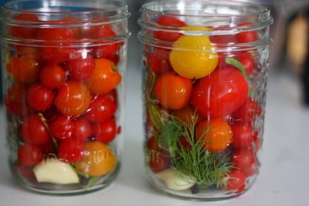 Помидоры деликатесные с соком красной смородины - вкусные рецепты от receptpizza.ru