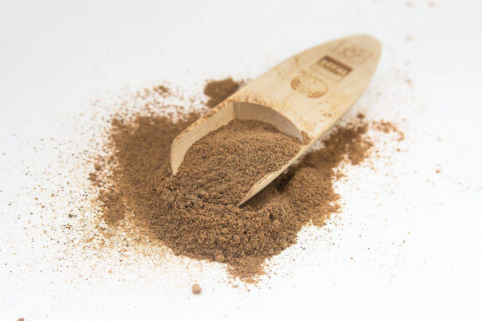 Настойка мускатного ореха — приготовление и применение с пользой