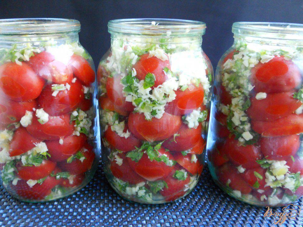 Пряные соленые красные помидоры