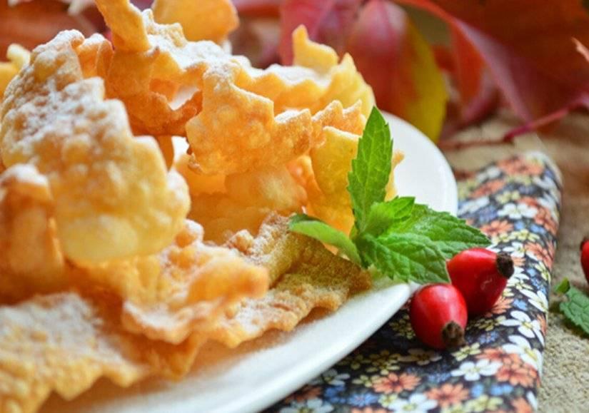 Хворост — 6 рецептов вкусного хрустящего печенья
