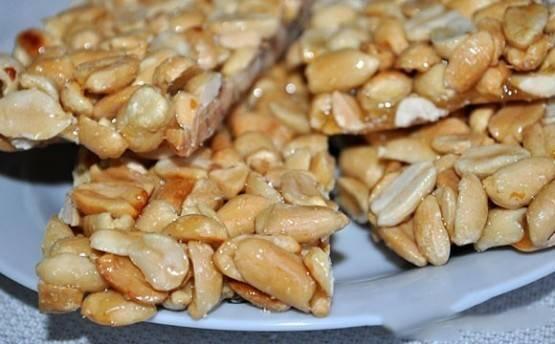 Подсолнечные, кунжутные, ореховые козинаки: их польза и вред для здоровья, несложные рецепты приготовления