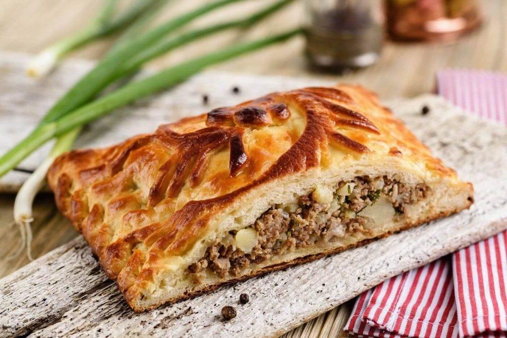 Пироги с мясом и картошкой в духовке — 6 пошаговых рецептов