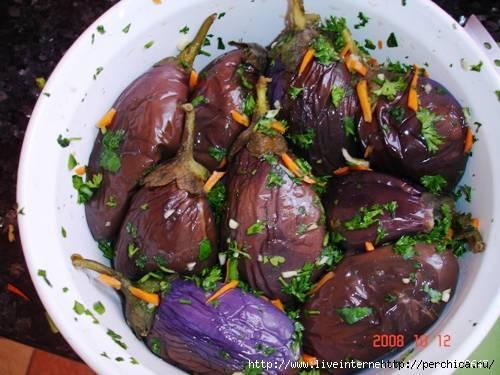 Как делать дома настоящие квашеные баклажаны, фаршированные овощами