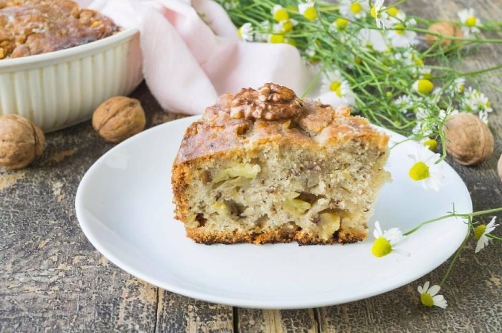 Постный пирог с яблоками и грецкими орехами – кулинарный рецепт