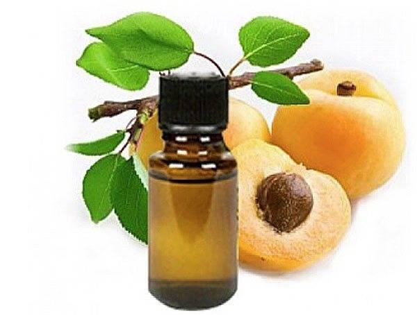 Абрикосовое масло для кожи лица, тела, волос: свойства, применение в косметологии, в домашних условиях