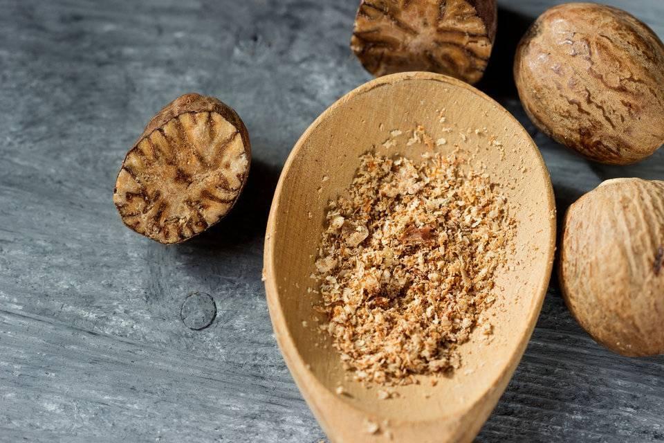 Мускатный орех: полезные свойства и противопоказания, как употреблять