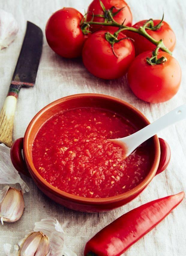 Помидоры с перцем и чесноком – ароматное трио. лучшие рецепты закусок и заготовок из помидоров с перцем и чесноком: быстрые, на зиму, острые, корейские