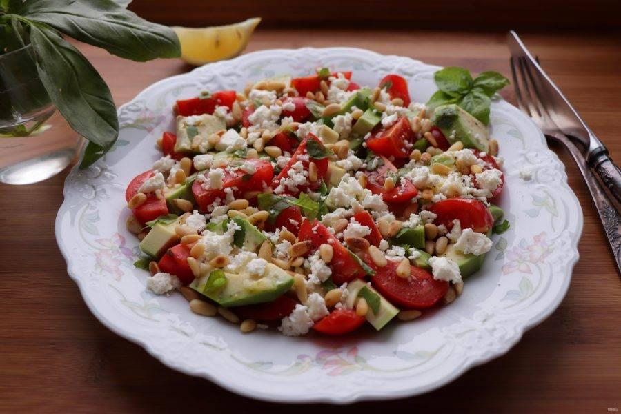 Салат с кедровыми орешками: как приготовить вкусное блюдо