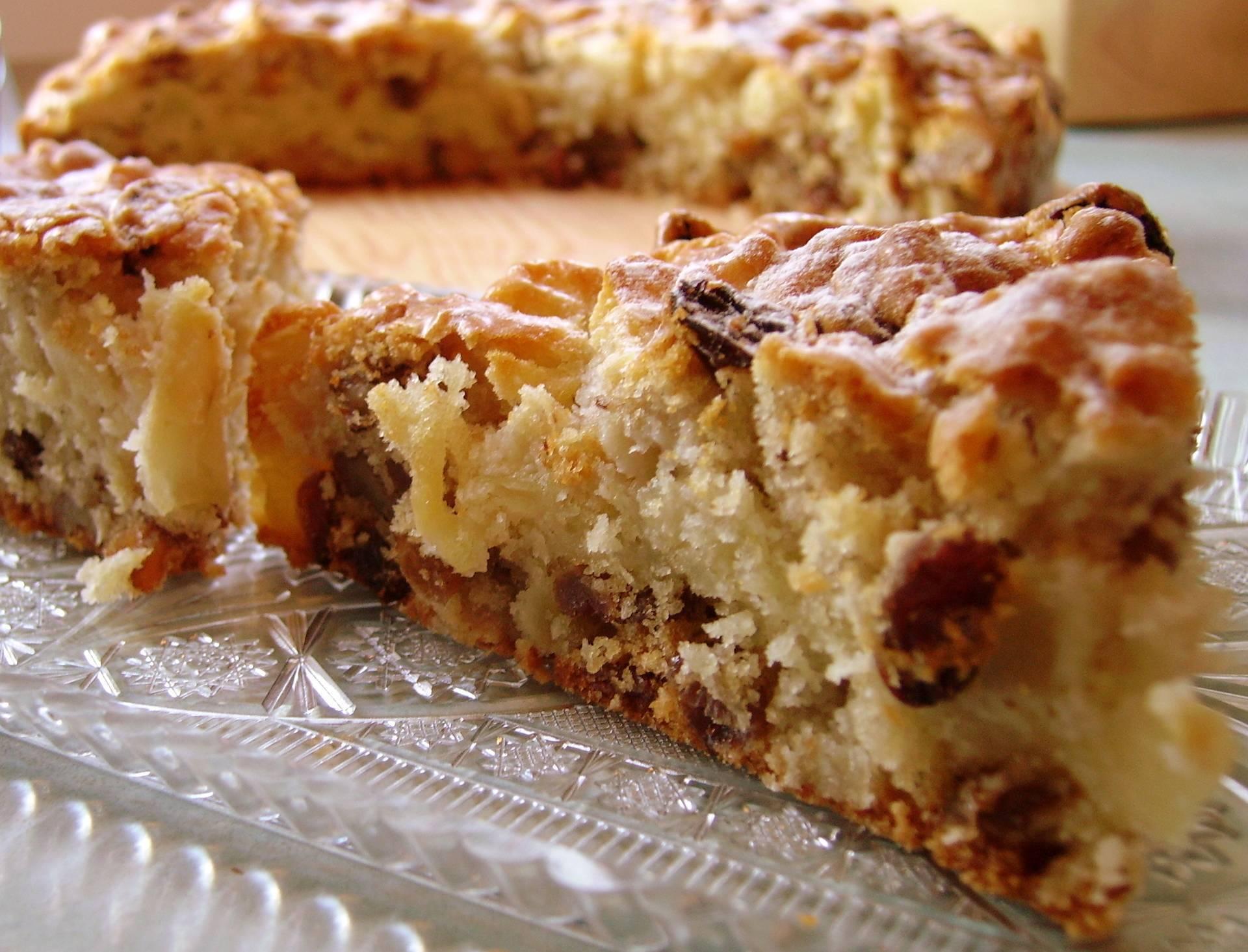 Песочный ореховый пирог с орехами изюмом и яблоками рецепт с фото пошагово - 1000.menu