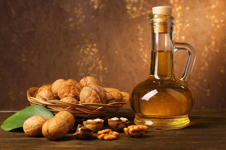 Настойка из зеленого грецкого ореха — приготовление, применение, противопоказания