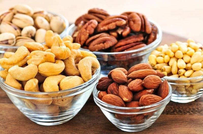 Орехи при запорах у взрослых