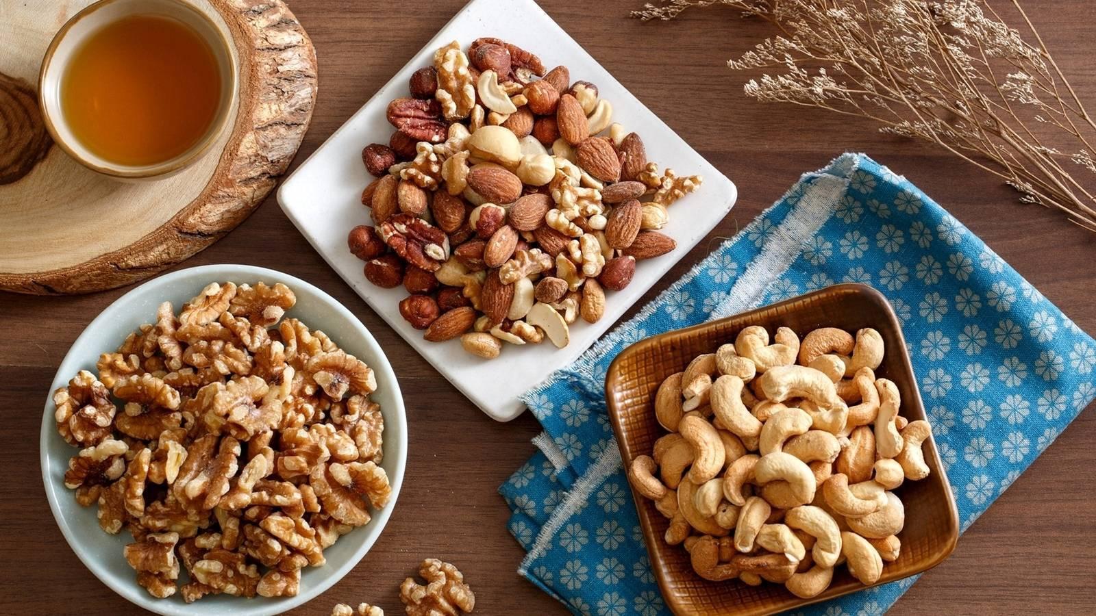 Можно ли кушать орехи при геморрое? пользу или вред это принесет?