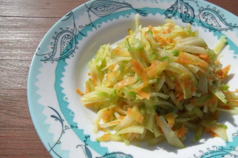 Салат из редьки с капустой и морковью - 6 пошаговых фото в рецепте