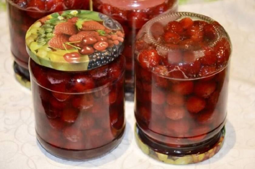 Вишня в собственном соку: рецепты на зиму без стерилизации, как законсервировать без косточек