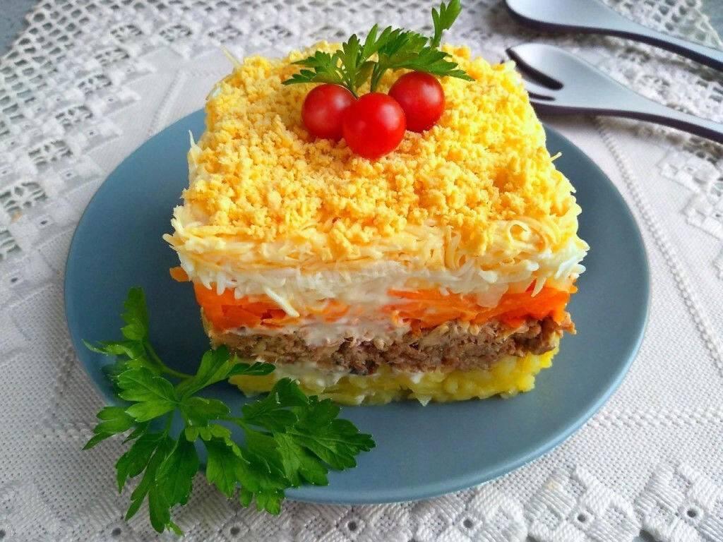 Топ‑7 самых вкусных салатов из рыбных консервов